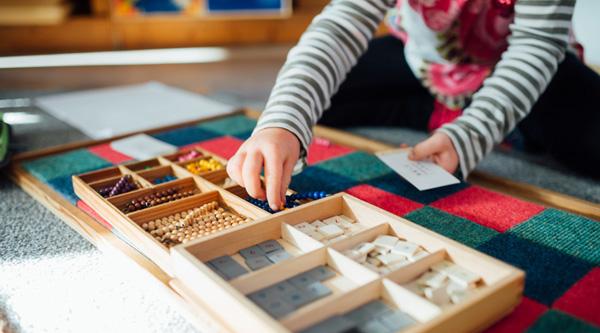 Pourquoi acheter du matériel Montessori pour son enfant?